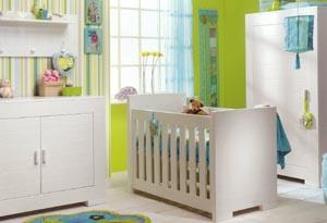 Verschillende stappen voor het inrichten van een babykamer